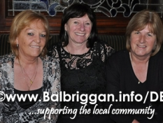 central_lounge_present_cheque_to_balbriggan_cancer_support_group_28mar14_1