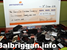 jack_and_jill_foundation_cheque_12dec11_2