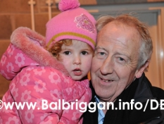 santa_at_balbriggan_cancer_support_group_08dec12_23