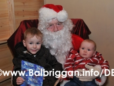 santa_at_balbriggan_cancer_support_group_08dec12_24