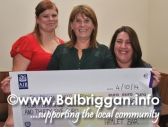 the_hamlet_present_cheque_to_balbriggan_cancer_support_group_13oct14_3