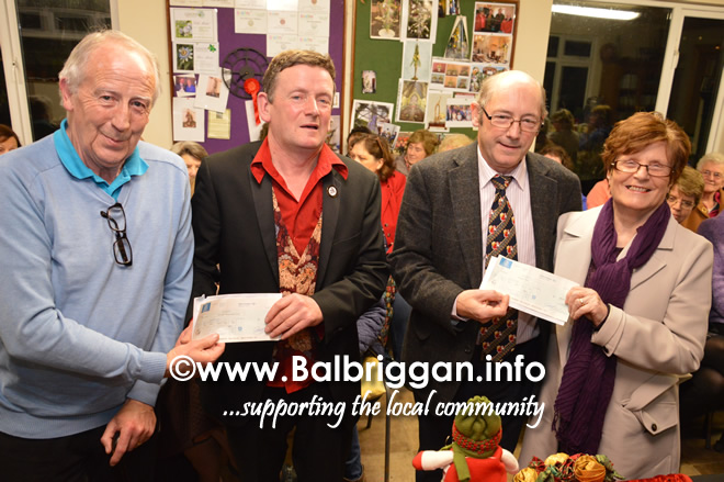 christopher_white_presents_cheque_to_bcsg_and_naul_senior_citizens_07dec16