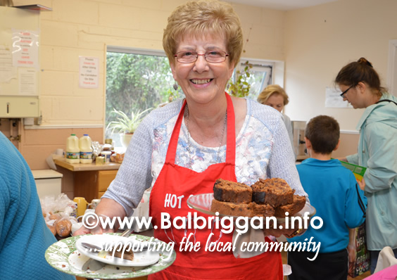 balbriggan meals on wheels cake sale and sale of work 19aug17_2