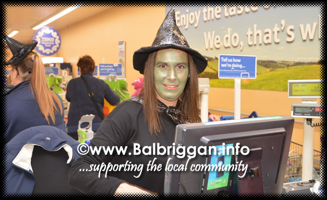 Tricks and Treats at Millfield shopping centre in Balbriggan 28oct17_10