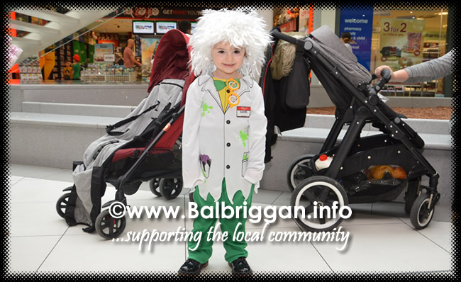Tricks and Treats at Millfield shopping centre in Balbriggan 28oct17_3