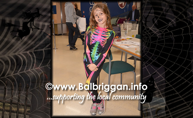 Tricks and Treats at Millfield shopping centre in Balbriggan 28oct17_6