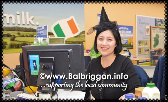Tricks and Treats at Millfield shopping centre in Balbriggan 28oct17_8