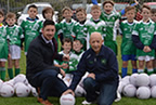 supervalu_balbriggan_repsents footballs to O'Dywers GAA club 07oct17-smaller