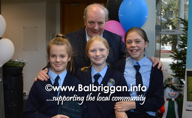 Students from Scoil Réalt na Mara in Skerries with Gavin Duffy