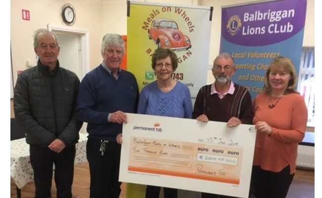 balbriggan lions club present cheque to Balbriggan Meals on wheels 30jan18
