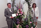 christopher white and dominica mckevitt win silver medal at chelsea rhs flower show 25may18 smaller