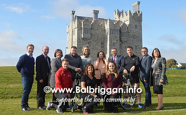 Mick Dunne, Community Officer, Fingal Co Co, Kevin Halpenny, Senior Parks Superintendant FCC, Cllr. Grainne Maguire, Wayne O'Donnell, OT leader, Kathryn Thomas, OT Presenter, Sarah O'Callaghan OT Leader, Mayor of Fingal Cllr. Anthony Lavin, David Cryan, OP Leader, Cllr Malachy Quinn, AnnMarie Farrelly, Director of Services FCC Front row: Ciaran Russell Community Sports Development Officer, FCC, Mary Diamond and Felicity Moroney OT leaders