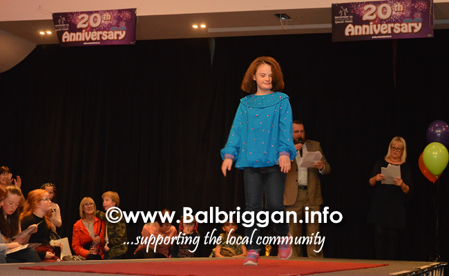 Models strut their stuff at the NFWIB Fashion Show in aid of Remember us 05oct18_12
