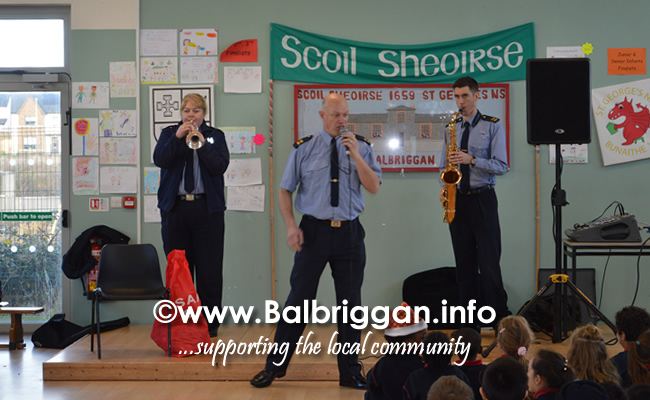 Garda Band & Community Gardai visit to 3 Balbriggan Schools 20dec18_2