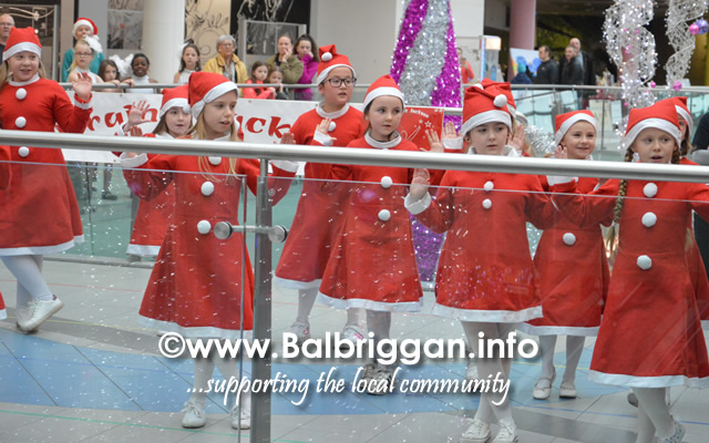 lorraine jackson stage school christmas display millfield balbriggan 01dec18_3