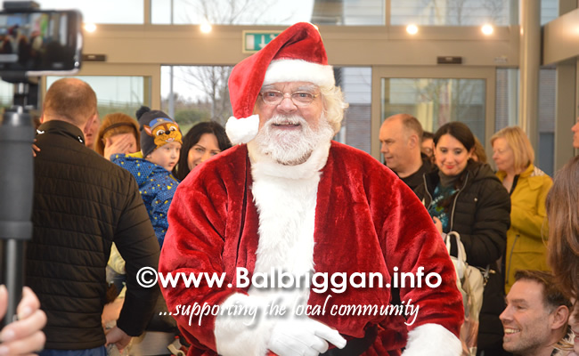 Santa arrives to Millfield shopping centre in Balbriggan 23nov19