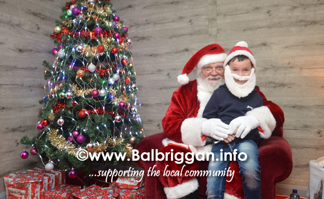 Santa arrives to Millfield shopping centre in Balbriggan 23nov19_10
