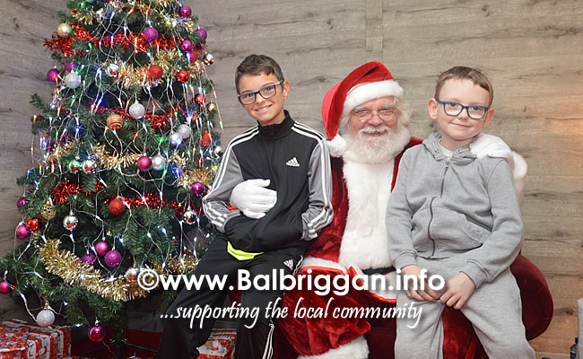 Santa arrives to Millfield shopping centre in Balbriggan 23nov19_11