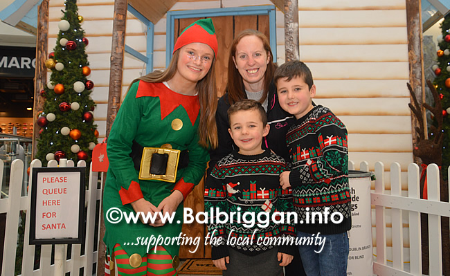 Santa arrives to Millfield shopping centre in Balbriggan 23nov19_12