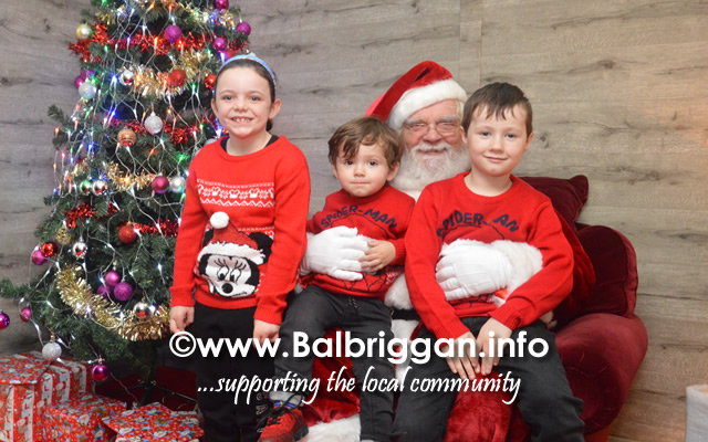 Santa arrives to Millfield shopping centre in Balbriggan 23nov19_13