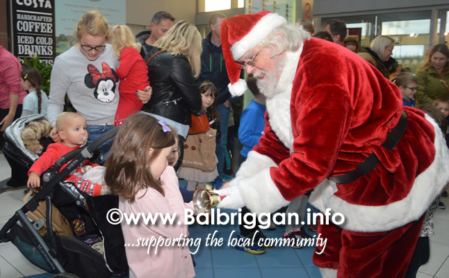 Santa arrives to Millfield shopping centre in Balbriggan 23nov19_5