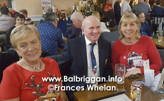 Balbriggan golf club present cheques to Remember us and Balbriggan Cancer Support Group 14dec19_17