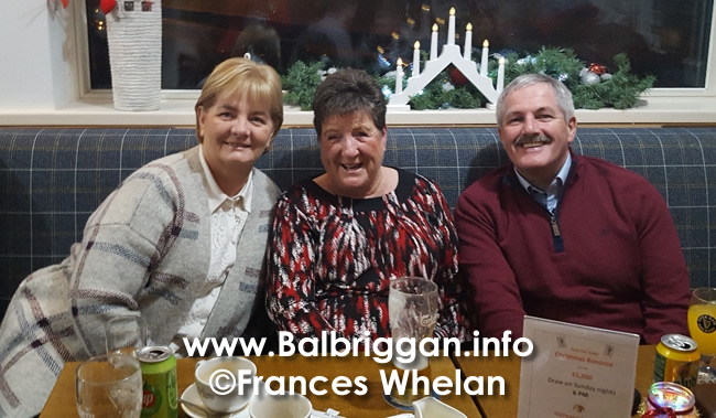 Balbriggan golf club present cheques to Remember us and Balbriggan Cancer Support Group 14dec19_8