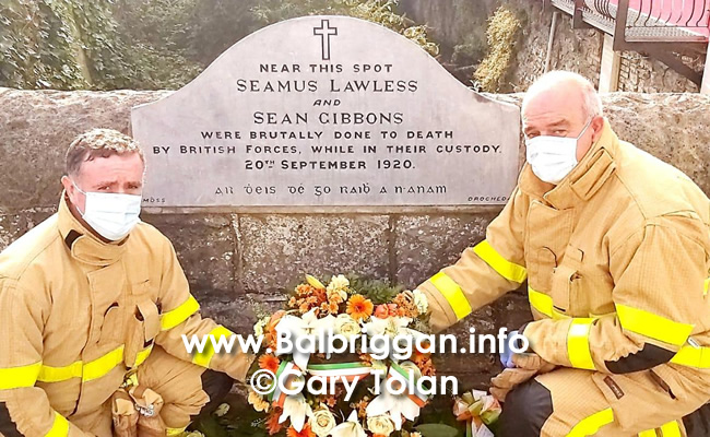 Fire fighters from Balbriggan laid a wreath at the memorial of Sean Gibbons and Seamus Lawless_4